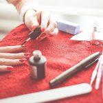 poupar na manicure