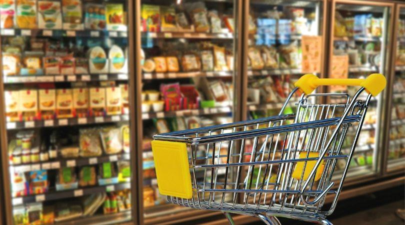 supermercado à noite