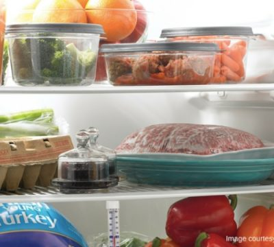 comida quente no frigorifico